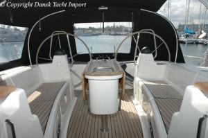 05-bavaria-44-2004-cockpit