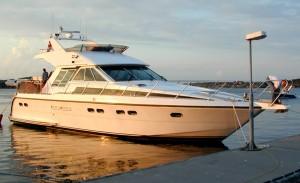 01-royal-yacht-520-pantera-1992-i-vand