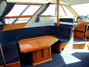 07-royal-yacht-520-pantera-1992-salon-2