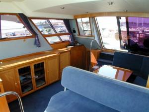 10-royal-yacht-520-pantera-1992-salon-5