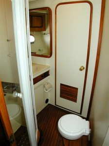 18-royal-yacht-520-pantera-1992-toilet-for-1